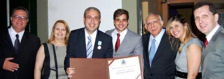 Gurgel com o pai, professores e o Vereador Alberto Braga   Foto Reprodução