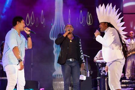 Denny, Tatau e Carlinhos Brown   Foto Erivan Morais
