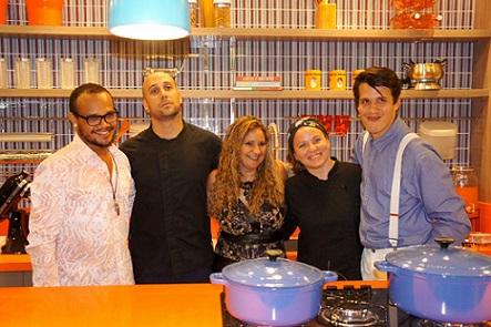 Uran Rodrigues, Rafael Stavalli, Kaka Bulhosa, Camila Crichigno e Gabriel  Tavares | Foto Carol Cotias